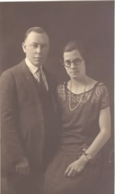 Earl & Elsie Cowing Picture - Fold3.com