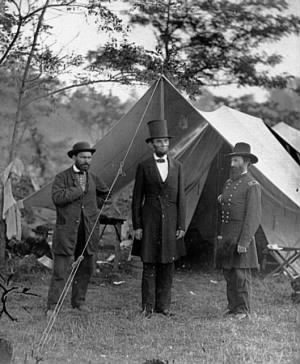 Abraham Lincoln with Allan Pinkerton and Maj Gen McClernand - Oct 1862.jpg