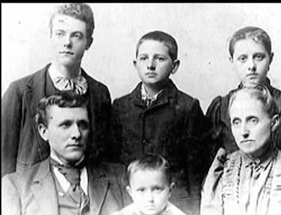 Marion Wesley Akers family c 1895 - Fold3.com