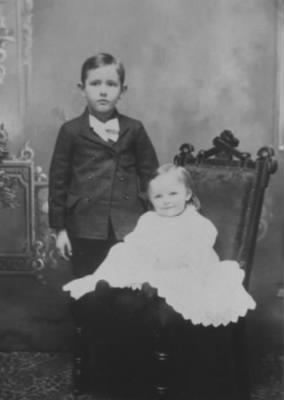 Loren and Melvin Sisson, Jan 2, 1896.jpeg