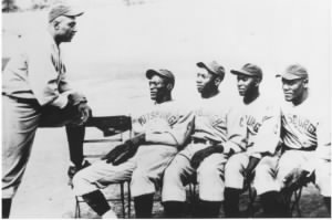 Oscar Charleston counsels Rap Dixon, Josh Gibson, Judy Johnson and Jud Wilson.jpg