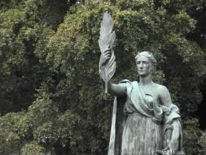 statue of Justice at the William McKinley monument in San Francisco.jpg