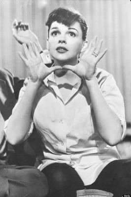 JUDY-GARLAND-BIRTHDAY-570.jpg