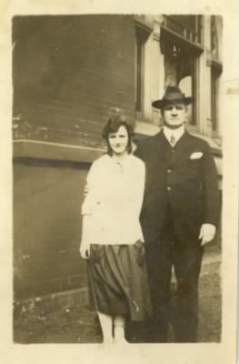 Winnebelle and Benjamin M Thomas c1920 Groveland.jpg